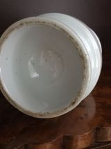 Petite lampe a pétrole en porcelaine