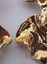 Boules d'oreilles dorées vintage 1968