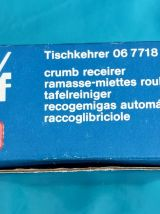 Ramasse-Miettes Roulant / Tischkehrer W M F