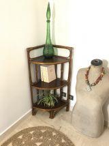 Étagère d'angle en rotin et bambou vintage