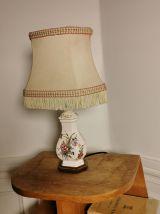 Lampe céramique abat-jour franges décor moustiers