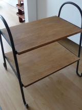Petite table d'appoint/Bout de canapé/ Porte revues en fer f