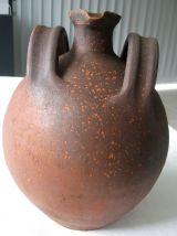 Cruche ancienne en terre cuite