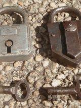 lot  de  2 cadenas  anciens
