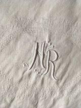 Nappe en lin damassée au monogramme A R.