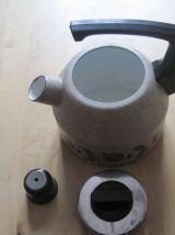 bouilloire en tôle émailler ancienne de 2 litres