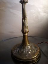 lampe pied laiton et bronze 1920 et opaline rose et blanche3