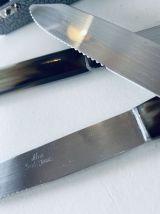 Coffret de 12 couteaux anciens
