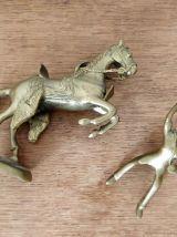 Cheval et cavalier africain en bronze