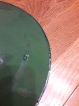 Suspension industrielle gamelle émaillée verte