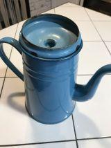 Ancienne cafetière émaillée bleu turquoise