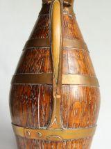 Pichet à cidre en bois cerclée de cuivre. Vintage.