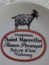 12 assiettes de fromage, porcelaine d'Auteuil PARIS.