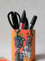 Pot à crayon.  Décor ethnique et coloré. Motif art singulier