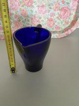 Pichet vintage en verre bleu 79's