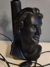 lampe buste en céramique noire et globe opaline blanc