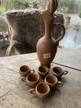 Vintage pichet et tasses à liqueur vieux grès