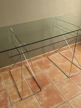 Table ou bureau Vintage. 1970 80. Acier et verre. 135X70.