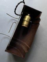 ANCIENNE LAMPE APPLIQUE EN BAKELITE