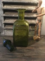 Ancienne bouteille/carafe en verre bullé