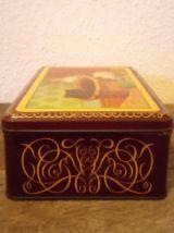 Ancienne boite à biscuits en tôle lithographiée
