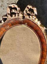 Cadre ovale à fronton 52x42