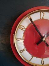 """Horloge vintage, pendule murale """"Rouge vif et dorée"""""""