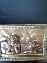 Bas relief angelos