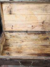 Valise en bois vintage