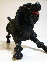 Figurine chien caniche en métal