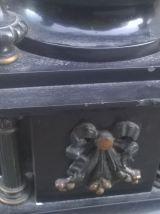 Pendule chapiteau monumentale et ses cassolette angelot