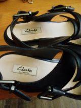 Sandale Noire-tout en cuir-Clarks-taille 40