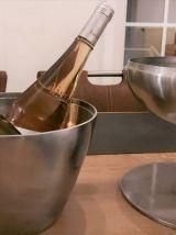 Une fontaine à boisson design en aluminium brossé