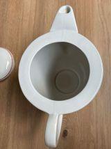 Cafetière en demi porcelaine de Lunéville