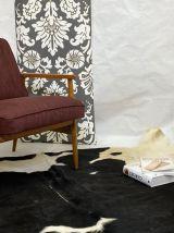 Fauteuil création par M. Zieliński année 60 tissu bordeaux.