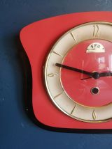 "Horloge vintage, pendule murale ""FFR rouge et noire"""