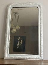 Miroir Louis Philippe fin 19ème. 105x70. Blanc.