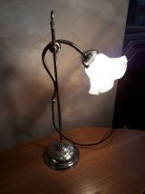 lampe laiton de bureau a balancier tulipe opalescente 1900