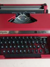 Machine à écrire OLYMPIA Dactylette S