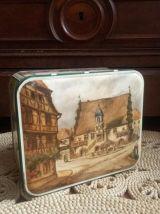 Ancienne boite en tôle lithographiée (Alsace)