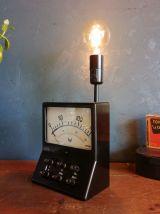 """Lampe vintage, lampe noire industrielle - """"Résiste !"""""""