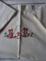 3 Taies d'oreillers Bébé  brodées 40x50cm Vintage