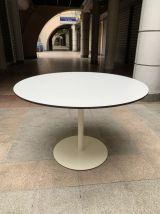 Table Knoll première édition