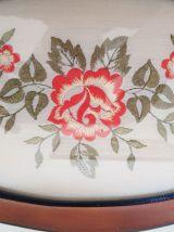 Ensemble cadre et plateau vintage décor floral brodé