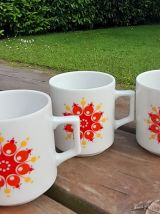 Ensemble de 6 tasses à café fleuries - 1970's flower power