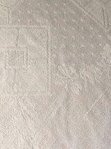 Nappe et 12 serviettes de table anciennes brodées MR.