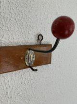 Portemanteaux vintage 1950 2 boules bois rouge - 30 cm