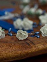 Couronne de fleurs et son bracelet assorti