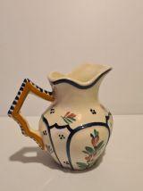Pichet en céramique de Quimper décor floral