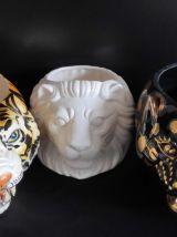 cache-pot lion en céramique craquelée blanche